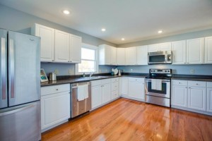 1945 Smithland Rd - Kitchen